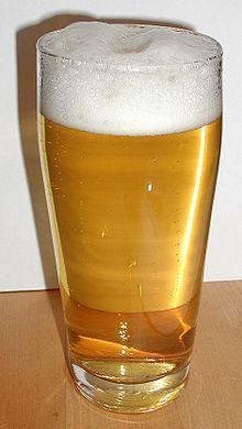 La cerveza helles (en español, clara) es un tipo de cerveza que se consume principalmente en Baviera, al sur de Alemania y se basa en la levadura Saccharomyces uvarum. Helles es una cerveza de color amarillo con una densidad primitiva de mosto de entre 11 y 13 % con un porcentaje de alcohol de entre 4,5 y 6 %.