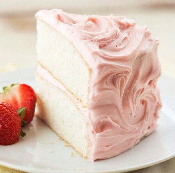 Sweet Champagne Cake with Fresh Strawberries