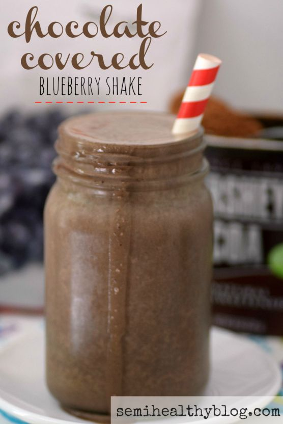 chocolate covered blueberry shake is a delicious snack, breakfast or post-workout drink that tastes like a treat. via @semihealthnut at semihealthyblog.com