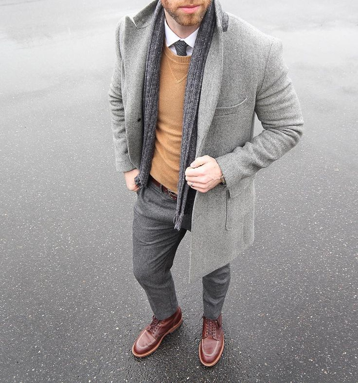 One with winter.  Topcoat: @bonobos Wool Pants/Scarf: @grayers Shirt: @jcrew Ludlow Shoes: Alden Indy Sweater: @toddsnyderny cashmere Belt: @tannergoods dress belt Tie: @thetiebar by thepacman82