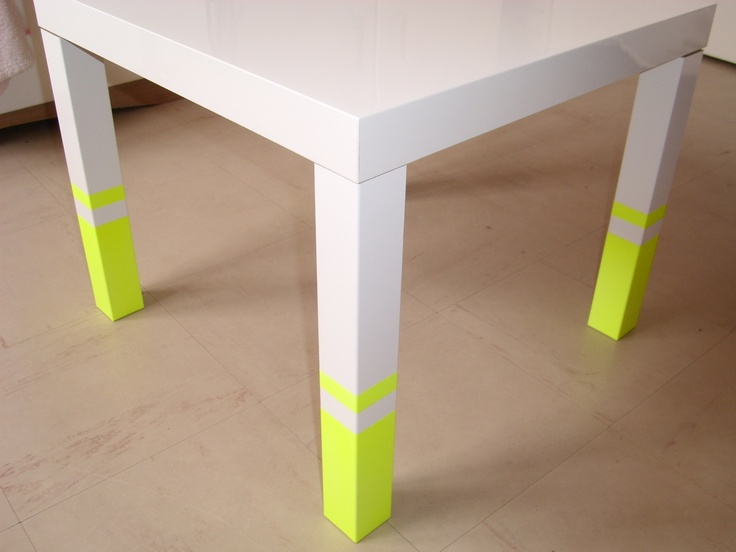 table basse néon : of course, it's french