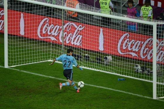 Y EL ARQUERO? Navas anota el gol contra Croacia que clasifica a España a cuartos!!