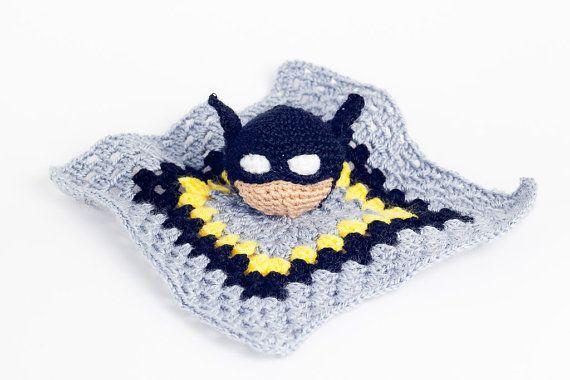 Batman Amigurumi Patron Espanol : Mantita de apego Batman por Imu Amigurumi Imu Amigurumi ...