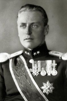 Olav V (1903–1991) was the King of Norway from 1957 until his death. A member of the House of Schleswig-Holstein-Sonderburg-Glücksburg, Olav was the son of Haakon VII & Maud of Wales.
