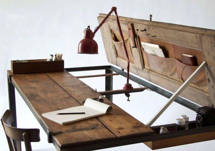 большой стол из двухстворчатой двери