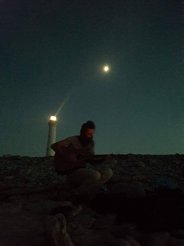 feeling #romantic want to hear some music from our great friend Walter with the moon and the lighthouse? Come to Timbuktu, only unique experiences