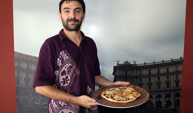 """Rasa """"Kriuk"""" Pizza Pazza"""
