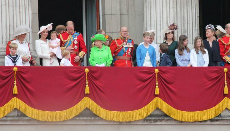 Prins William, zijn vrouw Kate Middleton en hun kinderen prins George en prinses Charlotte verblijven momenteel in Canada voor een koninklijke tour. Deze vindt plaatsvijf jaar nadat de hertog en hertogin van Cambridgevoor het eerst het land bezochten als jonggehuwden. Prins George en prinses Charlotte warende afgelopen dagen samen methun nanny, omdat hun ouders verplichtingen…