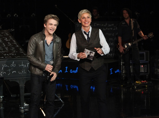 "Hunter Hayes performed ""Wanted"""