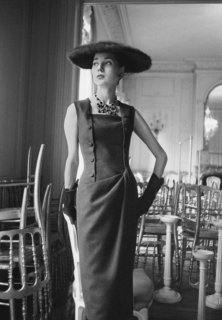 Renée Breton, in Christian Dior - 1955 - Photo by Mark Shaw