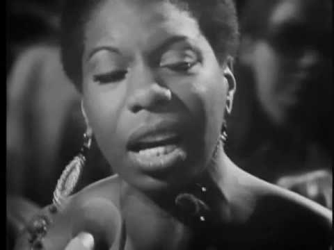 Sim, essa é a grande diva de classe e good vibe! Obrigada Deus por ter existido Nina Simone! Ain't Got No, I Got Life - Nina Simone