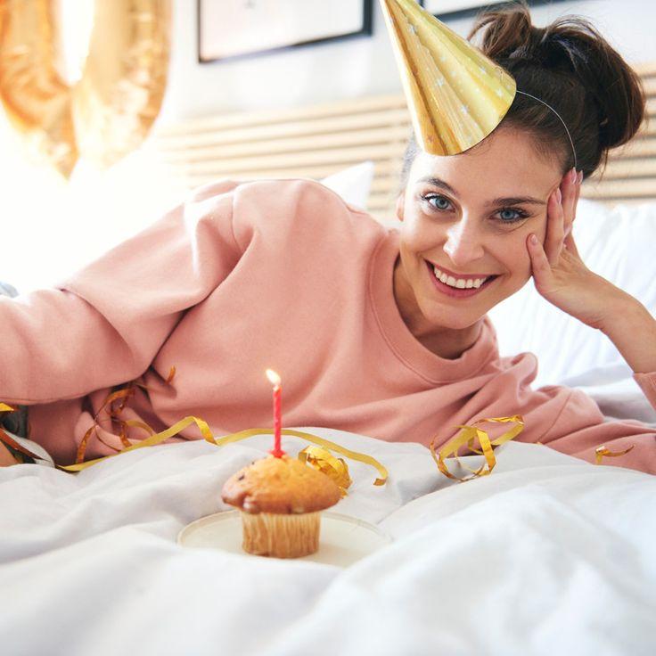 La cuarentena para nada es un impedimento para pasar un gran cumpleaños. Para muestra, bastan estas ideas perfectas para no dejar de festejar desde casa. Glamour, Ideas, Leaving Home, Going Out, Home, The Shining, Thoughts