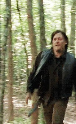 """Daryl running to Carol. I LITERALLY SCREAMED """"YES!! FINALLY!! CARYL HAPPENED!!"""" And got kinda teary eyed❤"""
