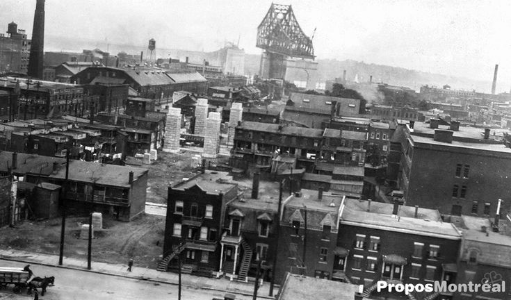 Photo exclusive de la construction du Pont Jacques-Cartier en 1926 à Montréal