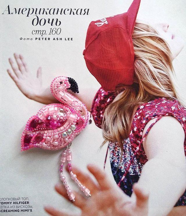 WEBSTA @ pin_art_spb - А мне летааать охота! 😇В этой розовой птичке гармонично сочетаются радужные кристаллы Сваровски, чешский и японский бисер, хрустальные бусины разной формы, рубка и  матовые черные пайетки. А сколько тут оттенков розового! 😍____________________#брошьфламинго #брошьназаказ #комсомольскнаамуре #спб #брошьручнойработы #вышитыеброши #брошиспб #броширучнойработы #брошиназаказ