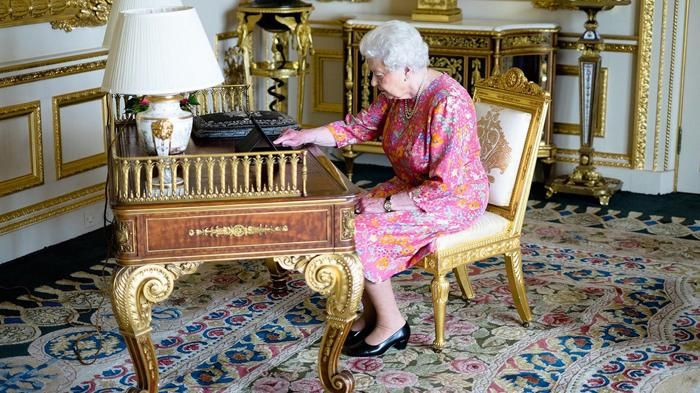 Queen Elizabeth II - Kamu Tertarik Hidup Di Kerajaan Inggris? Sang Ratu Buka…
