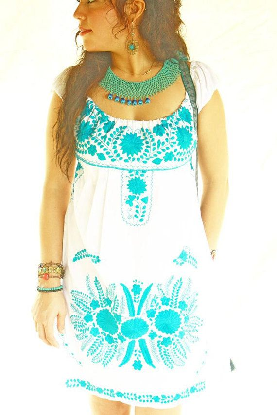 Mexican Embroidered Dress Off Shoulder Turquoise por AidaCoronado
