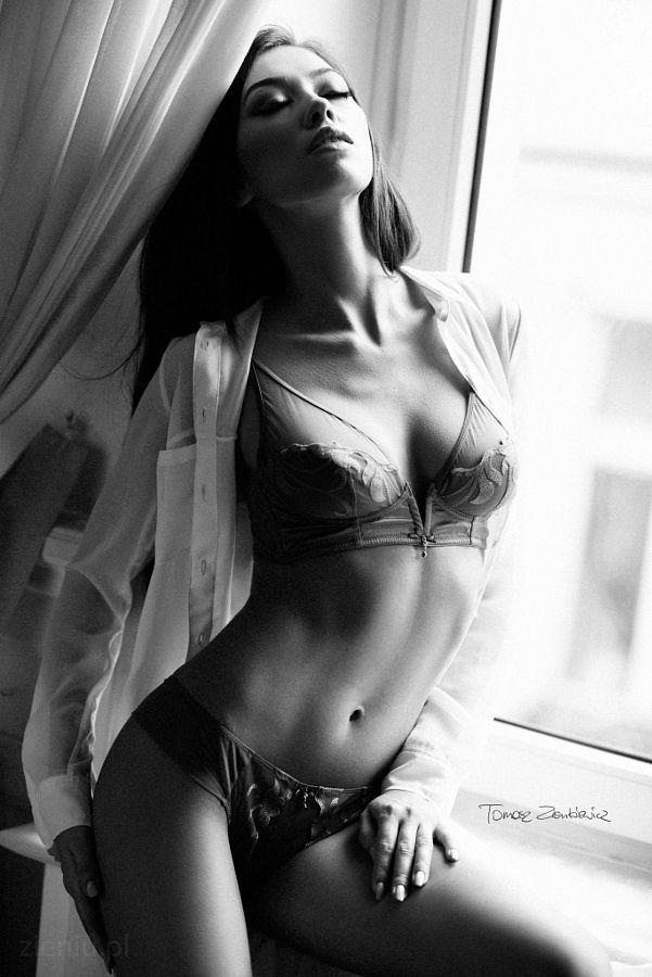 Angelika   sensual photo: Tomasz Zienkiewicz   zieniu.pl http://ift.tt/1OimNMO