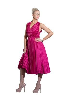 The holiday season is here! Put your bid in now for this gorgeous Tracy Reese raspberry silk pleated dress. Size 8. Ebay