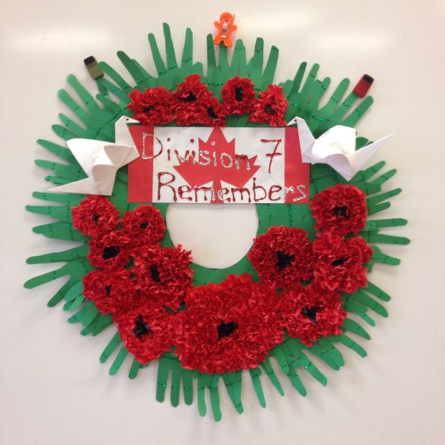 Grade 5 remembrance day wreath Love this idea - bet my class could make this! So effective :)