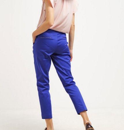NAF NAF Spodnie materiałowe kobalt bleu klein