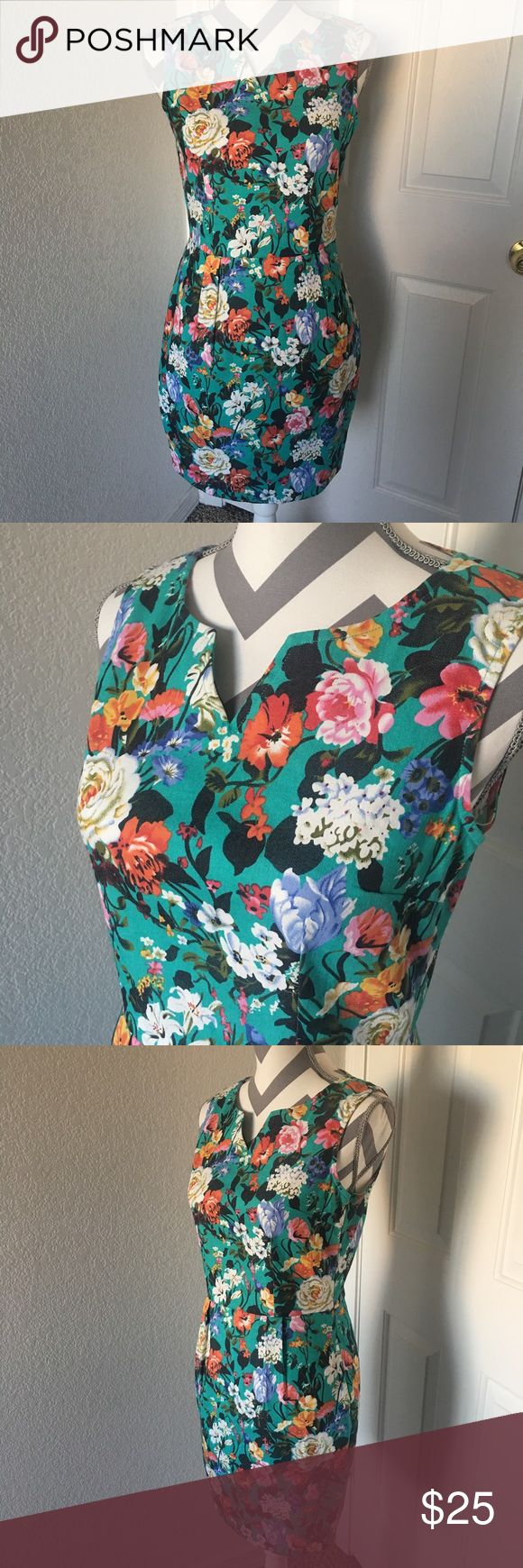 Sugar Hill Boutique Floral Dress Sugar Hill Boutique floral dress, size 6, has a discreet zipper on the side, polyester/elastane, pre owned and in good condition. Sugar Hill Boutique Dresses