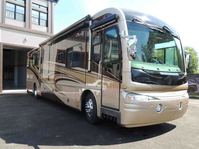2007 Used Fleetwood Revolution Le Class A in Florida FL.Recreational Vehicle, rv, 2007 Fleetwood Revolution Le , 2007 Fleetwood Revolution Le , 2007 Fleetwood Revolution Le 40 E(BATH AND AND HALF) , 2007 Fleetwood Revolution LE 40ft, 3 Slide Outs, Powerful 400 H.P. Caterpillar C9 Diesel engine, Spartan Raised Rail chassis with Full Pass-Through Storage and 3 Slide Out Storage Trays, 2000 watt Inverter, Allison 6 speed transmission, 7.5 kw Onan Quiet run Generator, Automatic leveling system…