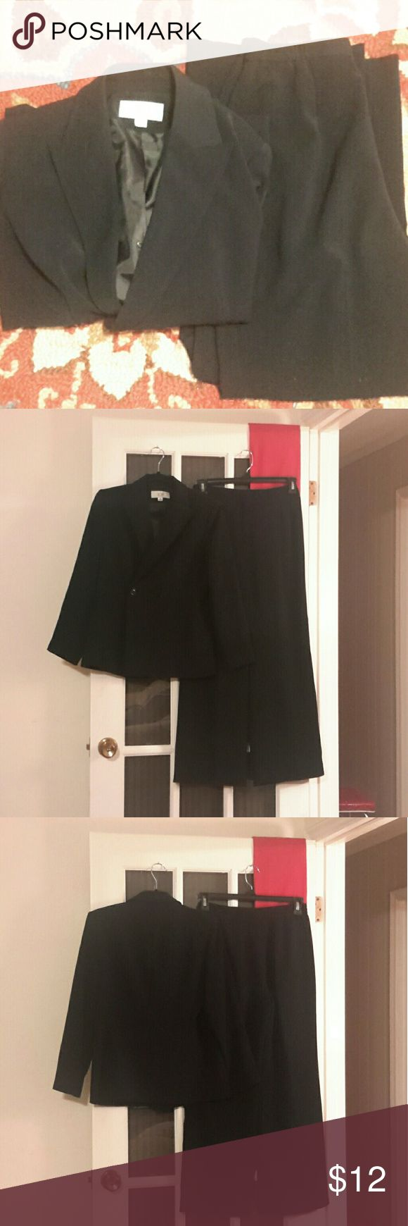 Le Suit Pant Suit - We've replaced the Little Black Dress with the Little Black Pant Suit - Fully Lined dressy pant suiting Petite - Double Breastfed - single row buttons - 100% Polyester  - Pant inseam - 29 inches Le Suit Pants