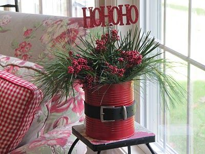DIY Christmas floral arrangement: Santa Clause, Buckets Lists, Decor Ideas, Christmas Centerpieces, Christmas Decor, Tins Cans, Christmas Planters, Diy Christmas,  Flowerpot