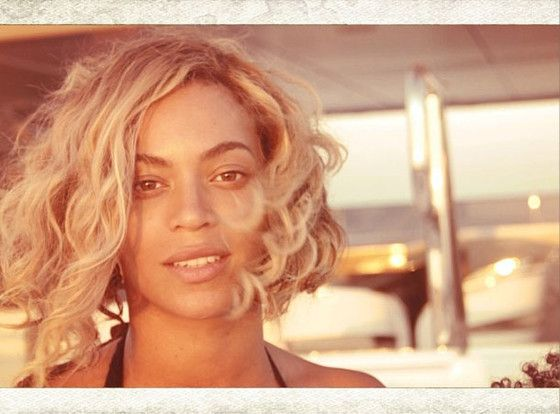 """Ouch! Celeb Stylist Calls Beyoncé's Bob Hairstyle """"Dated""""  Beyonce, No Makeup, Instagram"""