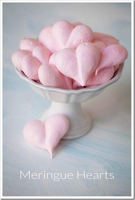 Pink Martinis and Pearls: Be Still My (Meringue) Heart