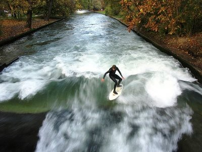 Eisbach Surfing - amazing view
