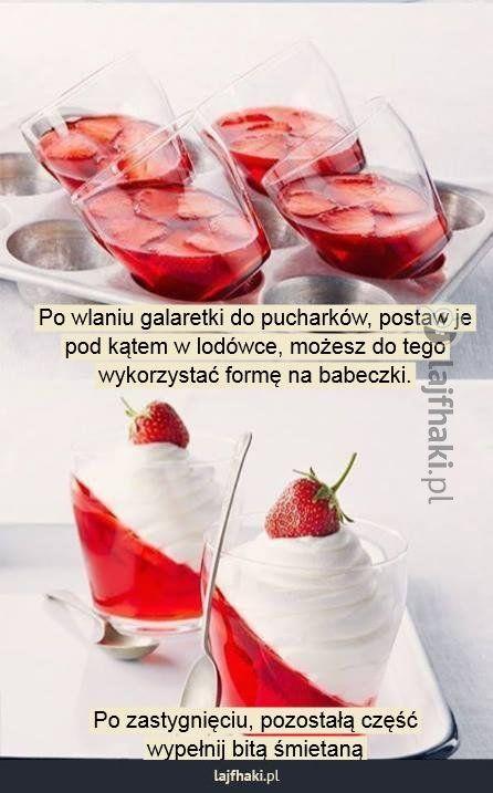 Jak zrobić deser z galaretki? - Po wlaniu galaretki do pucharków, postaw je pod kątem w lodówce, możesz do tego wykorzystać formę na babeczk...