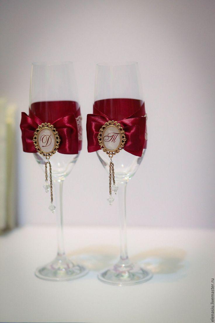 Купить Свадебные бокалы Марсала с инициалами и кристалликами - бордовый, боалы, Бокалы, бокалы на свадьбу