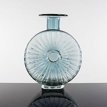 "HELENA TURPEINEN (TYNELL), HELENA TYNELL, Flaska, Glas, ""Solflaskan"", Riihimäen Lasi. Formgiven 1964."
