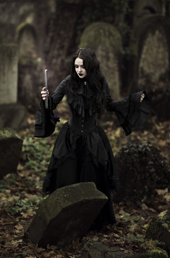 i want a dress like this for halloween. honestly id want to wear it every day. anyways, it gets super cold here on Halloween so having a long sleeve and long dress would be smart. we may even have snow! ahh! : (  [Witch-Morganna. Follow me @Amber Sheffield Collections Collections.Click http://paranormalcollections.com/ to find more awesome occult / paranormal stuff]