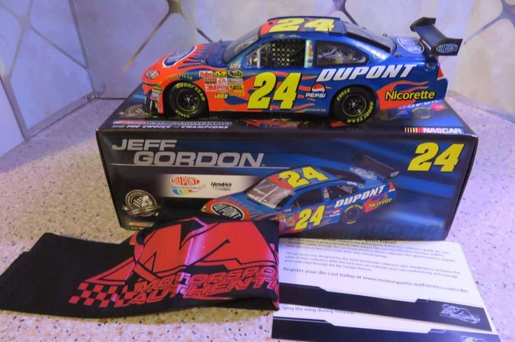 #24 Jeff Gordon 2008 DuPont 1/24 Scale NASCAR Die Cast Chevrolet Impala SS #Action #Chevrolet