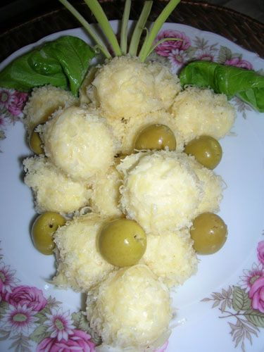 Gustare festiva din cascaval (2)