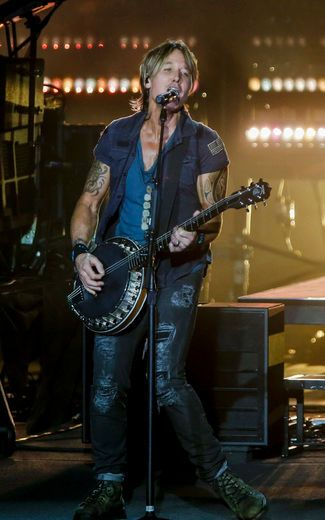 Keith Urban pleases the crowd in Toronto | Review | Music | Entertainment | Toro