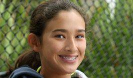 Naïma, 12 ans, appareil dentaire