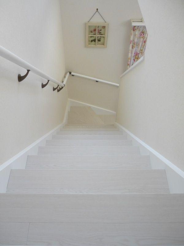 にゃんこと気ままにDIY 階段ビフォーアフター 2011-1004-06.jpg