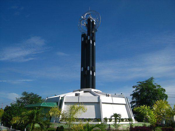 Tugu Khatulistiwa, Pontianak, Indonesia.