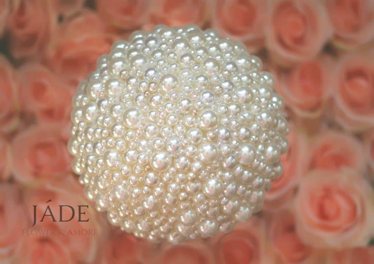 #gyöngycsokor #esküvő #menyasszony #csokor #pearlbouquet #wedding #bouquet