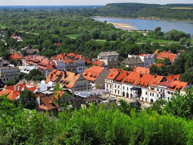Zdjęcia: Kazimierz Dolny, Lubelszczyzna, W morzu zieleni, POLSKA