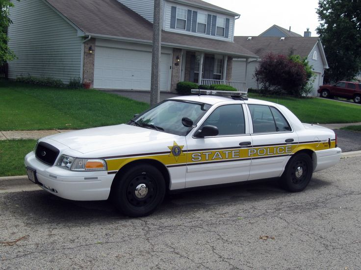 Illinois state police car - Ford Crown Vic Police Interceptor