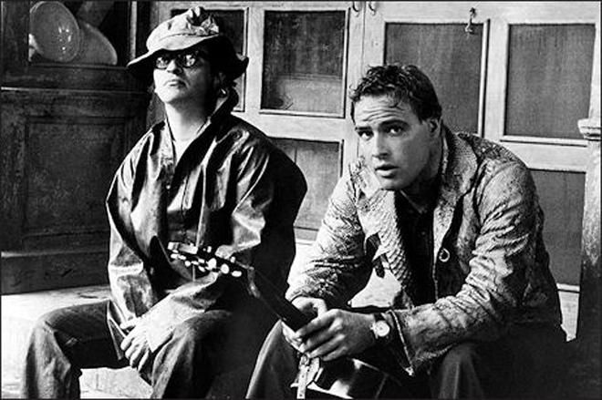 1959. Sidney Lumet y Marlon Brando en el set de The Fugitive Kind.