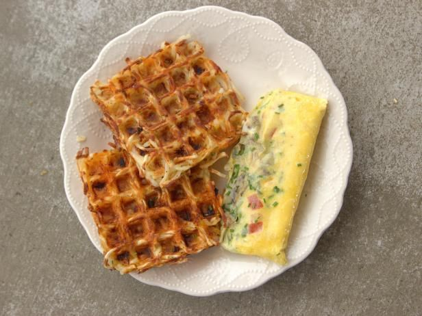 Get Omelet in a Bag Recipe from Food Network - Pioneer Woman