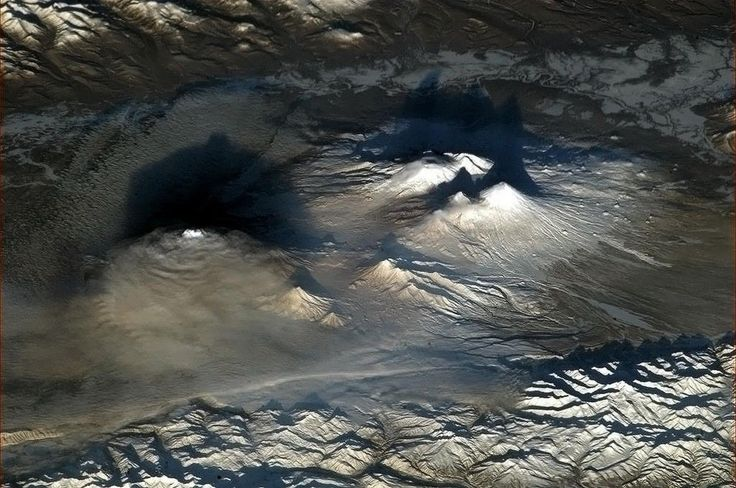 Astronaut Chris Hadfield: volcano Kamchatka (Russia) from space
