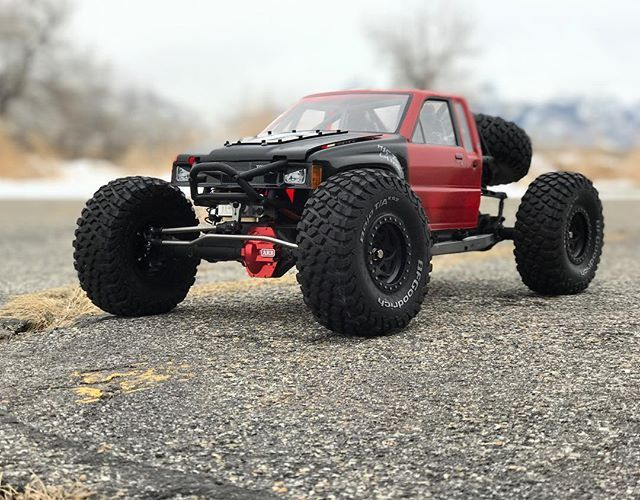 You mad bro? @axialracing RR10 Bomber is one of the most capable RC's I've ever driven. You can go from the trail to U4 Rock Racing and then crawl some rocks. . . Sponsored by:  @asiateeshobbies  @tboneracingrc  #KrawlZoneRC #rc4wd #axial #axialracing #axialadventures #axial #rc #rcscale #kingofthehammers #darkmtnphoto #offroad #offroadracing #4x4 #rockracer #crawler #atees #asiatees #asiateeshobbies #rcneverstops #Tbonearmy #teamTBR #rcarmor #sikrides #teamsrd #sikridesdesigns #bombernation