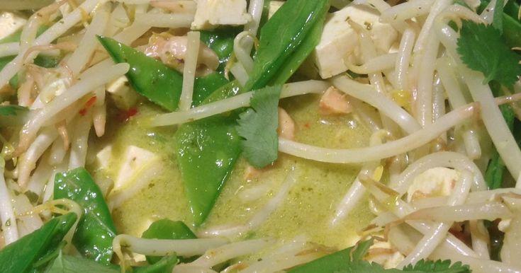 recept voor groene curry met tofu peultjes cashewnoten zelf groene currypasta maken